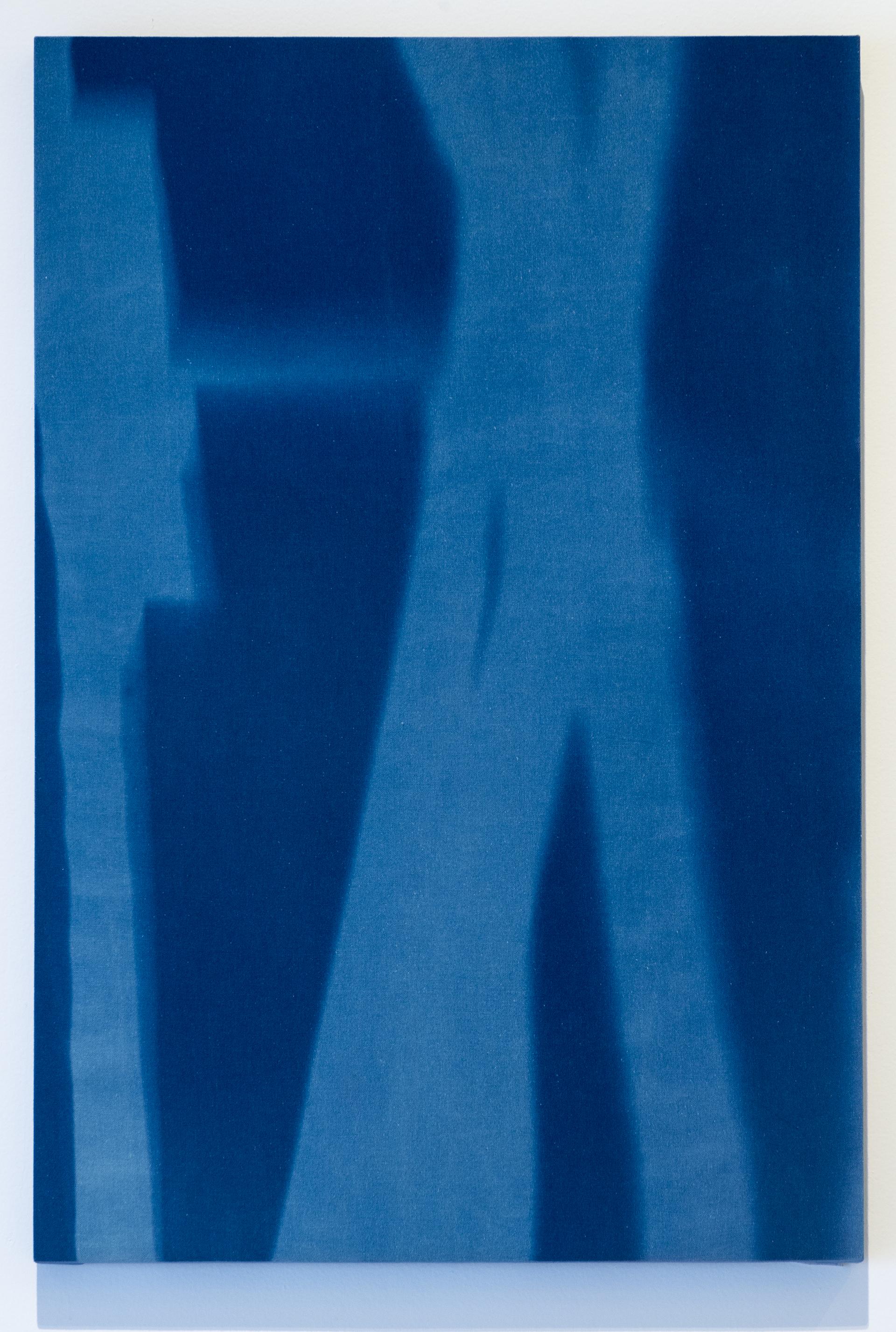 """""""23 de Agosto 2015, 10:47 h. Torre Norte Museo del Chopo, tiempo de exposición13 min"""" Cianotipia sobre tela montado sobre bastidor  90x60 cm (35 x 23"""")"""
